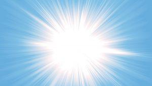 El principal beneficio de usar gafas de sol polarizadas: eliminar el brillo intenso. | Fuente